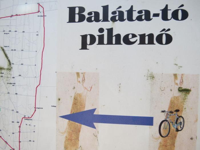 Igen, kerékpárút is található a Baláta-tónál!