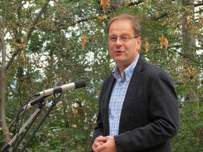 A Rovaniemi lépcsőt átadta: Dr. Navracsics Tibor miniszterelnök-helyettes, közigazgatási és igazságügyi miniszter, országgyűlési képviselő
