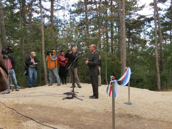 A Rovaniemi lépcsőt átadja: Porga Gyula, Veszprém polgármestere
