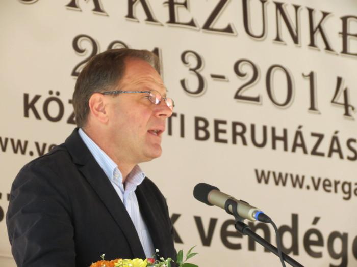 A megnyitón beszédet mondott dr. Navracsics Tibor miniszterelnök-helyettes, közigazgatási és igazságügyi miniszter, országgyűlési képviselő