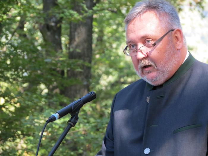 A Magyarság Keresztjénél beszédet mondott a határon túli magyar vadászok nevében dr. Demeter János, a sepsiszentgyörgyi vadászmúzeum igazgatója