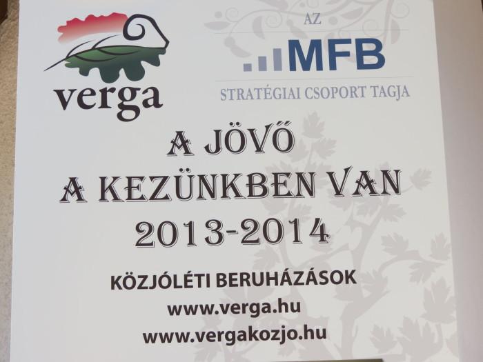 """A HM VERGA VESZPRÉMI Erdőgazdaság Zrt. és a Veszprém Megyei Vadászkamara 2013. szeptember 28-án az erdőgazdaság eddig féléves, """"A jövő a kezünkben van"""" közjóléti projektjének legfőbb állomása bemutatása alkalmával nagyszabású avató ünnepséget, egyúttal megyei vadásznapot szervezett az alsóperei Bakony zöld szíve központban"""