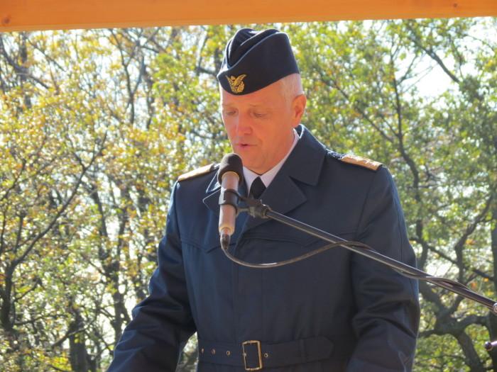 Dr Orosz Zoltán altábornagy, Honvéd Vezérkar főnök- helyettes méltatta Vitéz Bertalan Árpád életútját, katonai eredményeit. Kiemelte I. világháborús hőstetteit, és a magyar ejtőernyős vadász fegyvernem megszervezéséért tett érdemeit