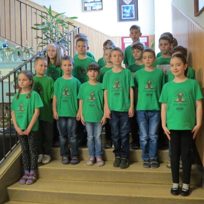 A győrszentiváni Kertvárosi Móricz Zsigmond Általános Iskola tanulói ünnepi műsort adtak